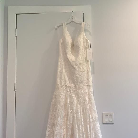 David's Bridal Dresses & Skirts - Size 12 Wedding Dress